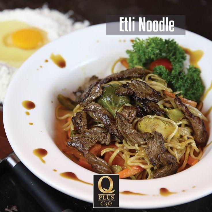 Öğle yemeğinizde muhteşem bir Etli Noodle kim istemez ki... Q Plus'a bekliyoruz. :) #Qpluscafe #Noodle