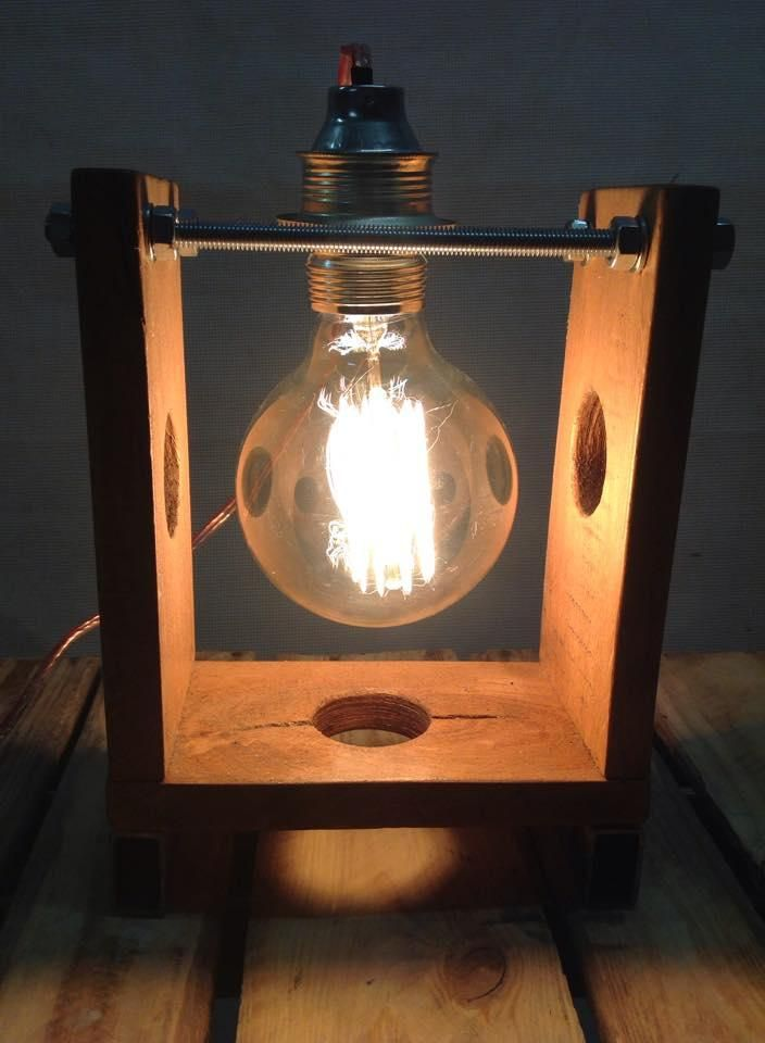 Oak & steel DIY - Qbe Lamp. Configure your own look, by replacing the bulb and the socket.