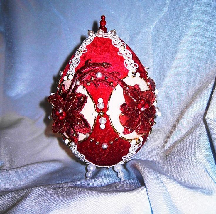 rubínovo.červené vajko