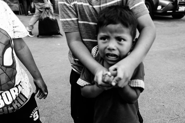 [New Photo series of this kid and his friends. Link in my bio ] This kid cried because the mother took the tips I gave him and his friends for taking their photos.     #mexicocity #magnumphotos #streetportrait #candidphotography #filmpalette #endlessfaces  #toldwithexposure #bravogreatphoto #fujix100f #x100f #bnwlovers#worldbnw #bnw_street#ig_shotz_bw#ig_global_bw#bnw_addicted#bnw_drama #candidphotography #bnwportrait #bwportrait #ciudaddemexixo #bnw_sniper #bnw_diamond #bnw_city_streetlife…