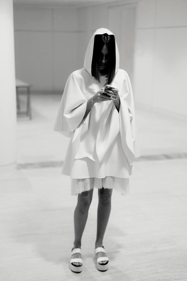 """Thread a Needle"" Backstage #Despunte14 _Design by Salvador Guinart Fernández | Photographed by Fiz Gratacòs | Model,  Paloma Malvar"