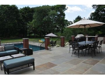Enjoy The Summer In Westport, CT, In This Spectacular Summer Rental  Complete With Inground Pool And Patio. Perfect For Entertaining!