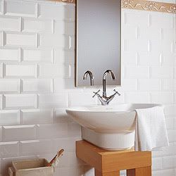 17 best images about bagno on pinterest piccolo search and ranges - Rivestimento bagno basso ...