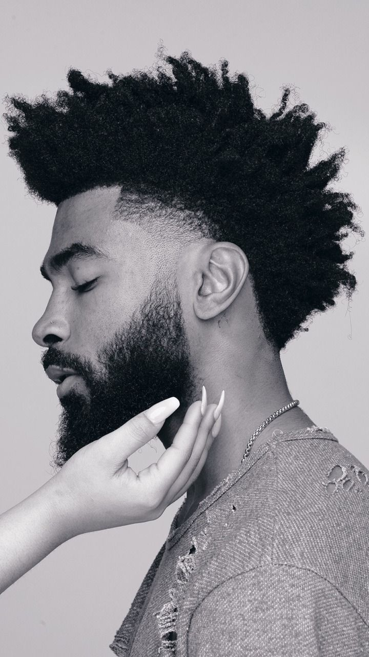 Kenny Knowles Natural Hair Men, Curly Hair Men, Curly Hair Styles, Black Men Haircuts, Black Men Hairstyles, Black Hair Cuts, Taper Fade Haircut, Black Men Beards, Beard Haircut