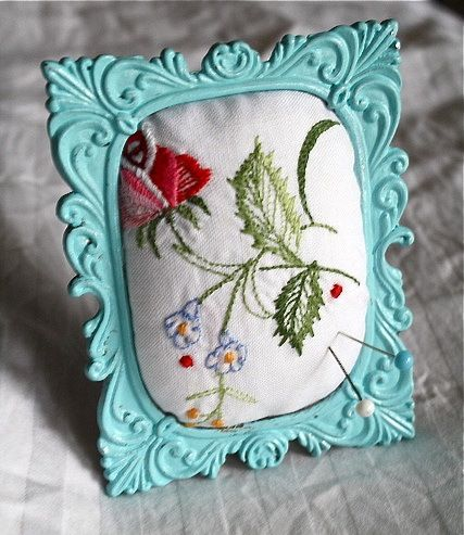 Frame pincushion - paint a thrift store frame & combine with vintage linens......