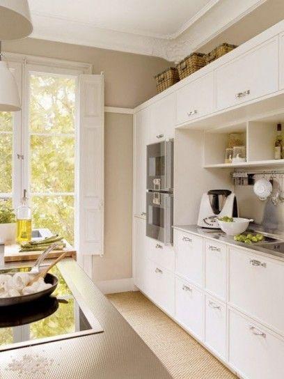 Cucina+dallo+stile+classico - Idee+colore+pareti+cucina+nelle+tonalit%C3%A0+chiare.