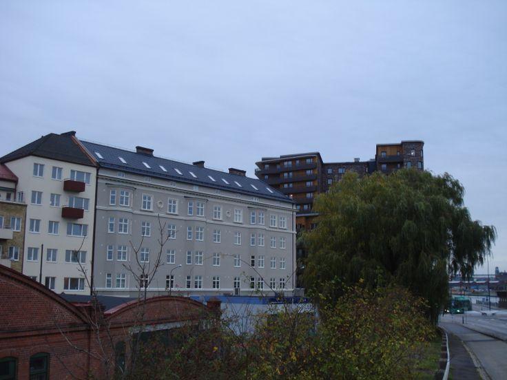 29 november: Carl Rosell och White arkitekter. Det skiljer 85 år, men två exempel på arkitektur som väcker känslor. Var vill du helst bo?