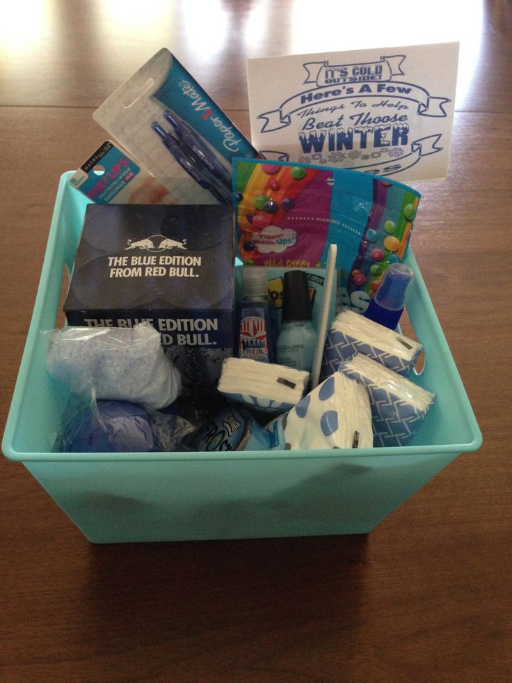 """Using the color theme idea I decided to go with """"Beat the Winter Blues"""" for January's secret pal gift. Just looked for """"blue"""" items to put in the blue basket."""