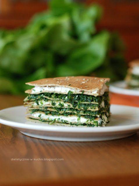 Moje Dietetyczne Fanaberie: Tort naleśnikowy ze szpinakiem i twarożkiem