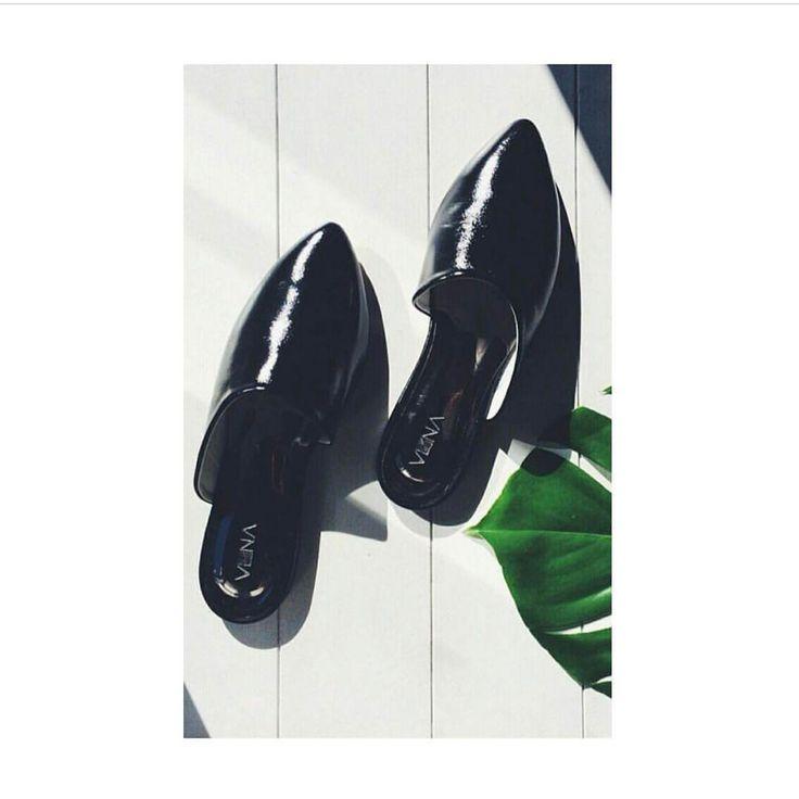 #avantimeshop эх , любимые наши мюли , осталось несколько пар , обувь как фетиш 🙏🏻 видишь что то новенькое и остановится не возможно 👏🏻 у Вас та же история 👠 #обувьднепр #дизайнерскаяодежда #дизайнеркаяобувь #украинскиедизайнеры #сделановукраине #madeinukraine
