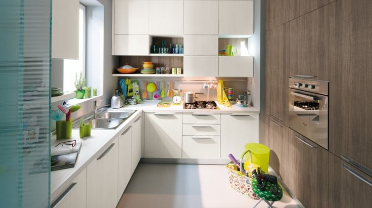 START TIME Partire avvantaggiati. Partire con il piede giusto, conferendo allo spazio cucina il sapore giovane di un design dalle linee pure, vestito di colori cool e finiture legno in trend con le tendenze che guardano alla naturalità.