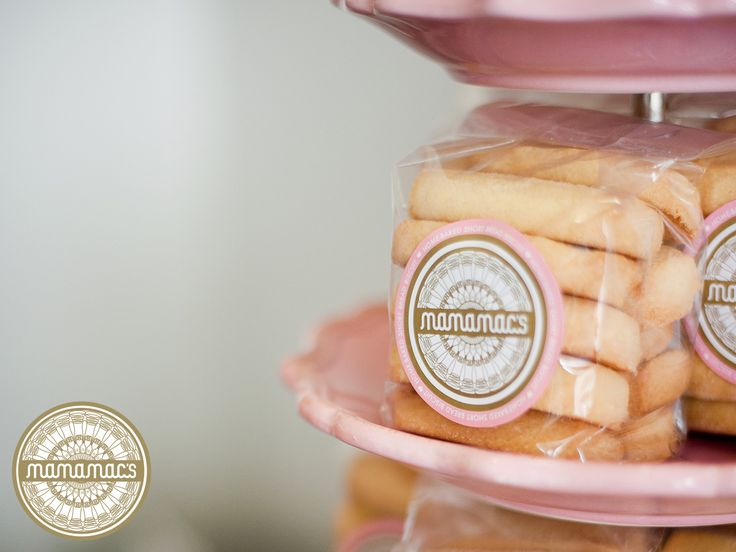 "Lourensia's Tip: ""Have you tried our shortbread cookies dipped in melted dark chocolate? To die for!"" Buy: http://ow.ly/BAZJ30aKOce — with Lourensia Mackenzie."