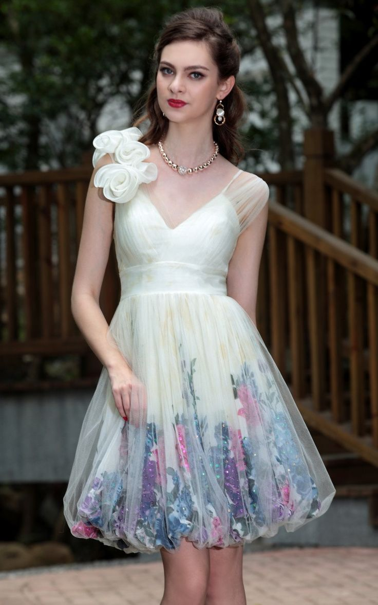 181 best Prom Dress images on Pinterest | Gown, Party wear dresses ...