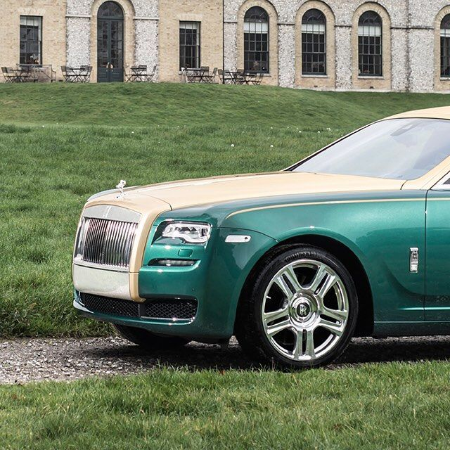 With #RollsRoyce Bespoke you can express your own style and interests. What does Bespoke mean to you? - from @rollsroycecars #RollsRoyce #RollsRoyceMotorcars #ExoticCars #FieldsMotorcarsOrlando #FieldsMCO #Orlando