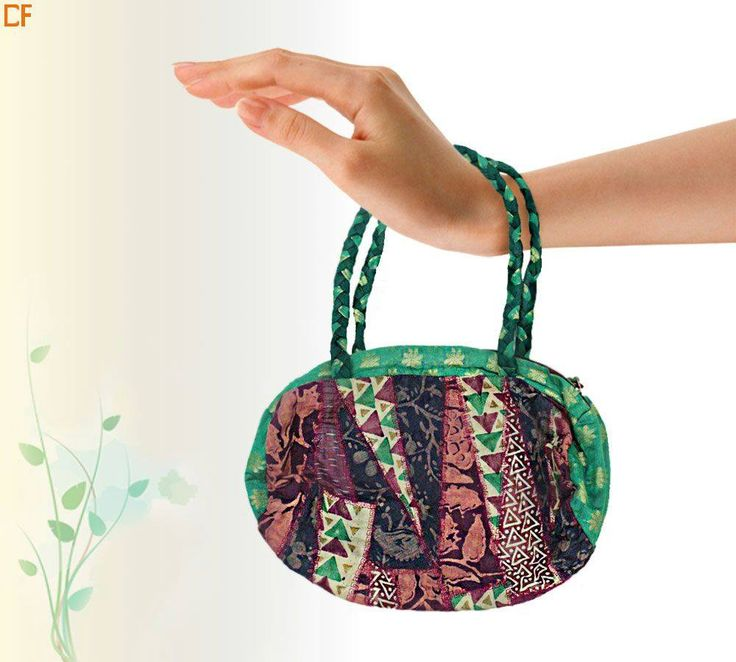 Ditch your heavy duty bags and carry li'l chihuahua size bags for ease. These bags are eco-friendly and easy for use. #JuteBags #Ethnic #OnlineStore #DroomFashion Visit us on http://www.droomfashion.com