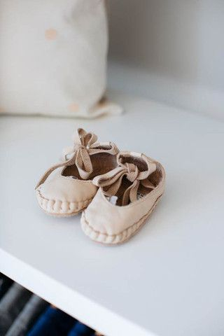 Gorgeous baby shoes in the most buttery of leathers.