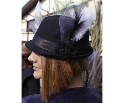 Tüylü Fötr Şapka Siyah
