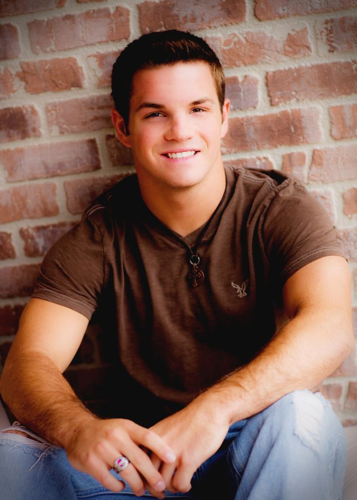 senior picture ideas for guys | guy senior picture ideas | 605-772-4473 | 203 ... | Senior-ity (Ideas ...
