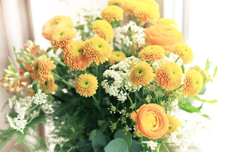 bouquet by AKURATNIE kwiaty    www.akuratnie.com.pl   www.facebook.com/akuratnie.kwiaty   www.instagram.com/akuratnie.dw   #bukiet #dzieńmamy #dzieńmatki #26maja #kwiaty #jaskry #ranunculus #bouquet #mothersday #flowers