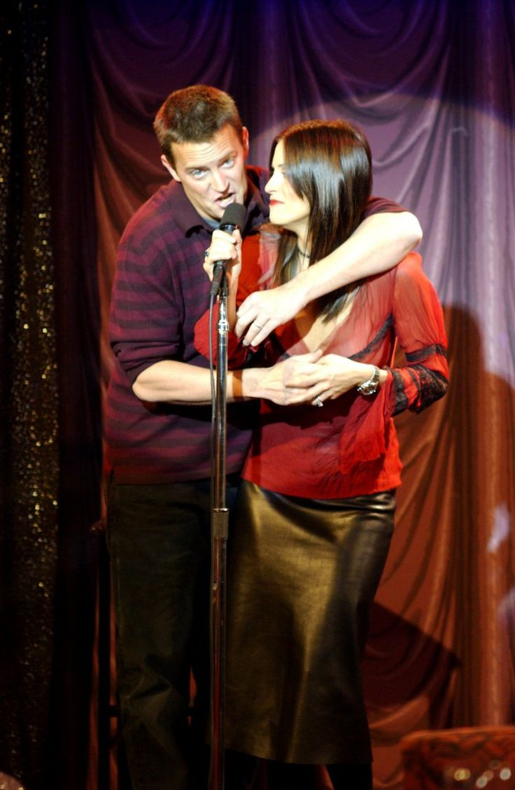 Chandler Bing (Matthew Perry) and Monica Geller (Courteney Cox) ~ Friends Episode Stills ~ Season 9, Episode 13: The One Where Monica Sings