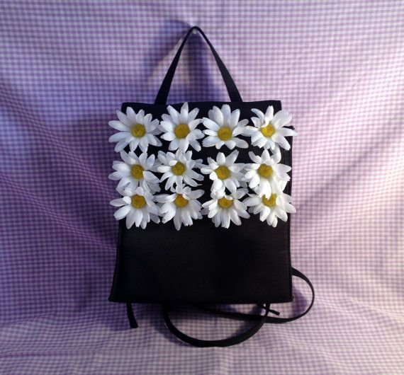 And daisies. 'Cause Drew Barrymore. | 30 Bags Of The '90s That Will Make Your Mind Explode