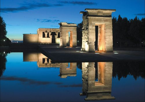 Templo de debod, Madrid. One of my favourite sights in the city.