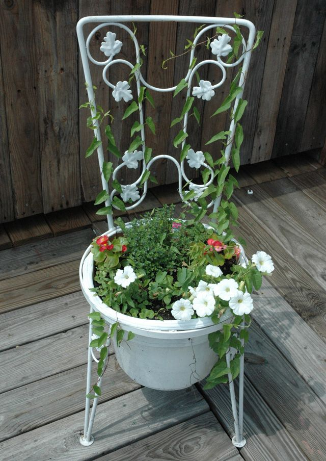 best sillas jardineras images on pinterest old chairs chairs and flowers