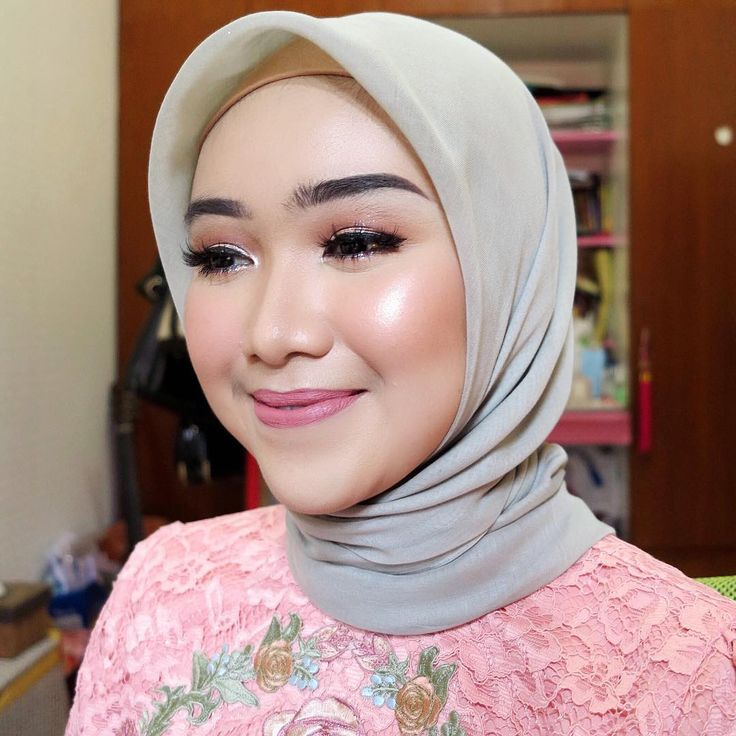 Hijab Wedding / Muslim Brides / Akad Nikah Makeup / Wedding Make Up by dininurdianimua on Instagram ☁ @terosha ☁
