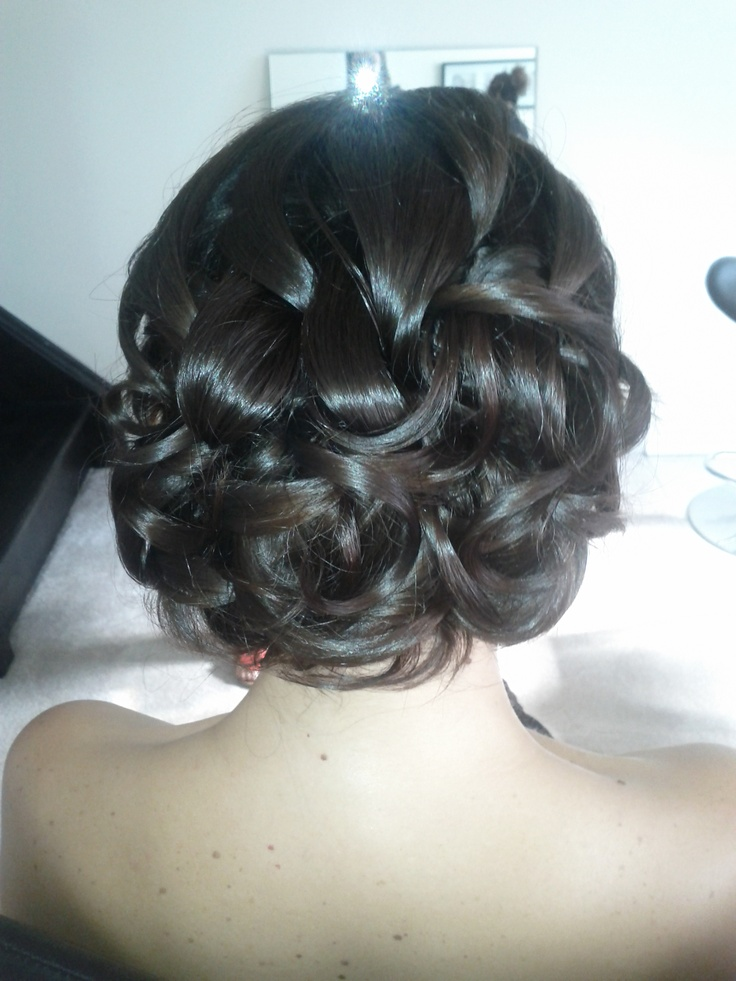 Brides... there's something beyond special about their hair that day!