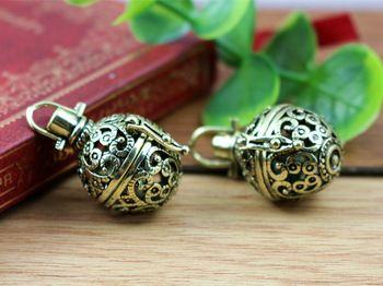 2 unids 21 x 32 mm bronce antiguo medallones de filigrana mágicas de la suerte de plata antiguo de la caja colgantes del encanto medallón