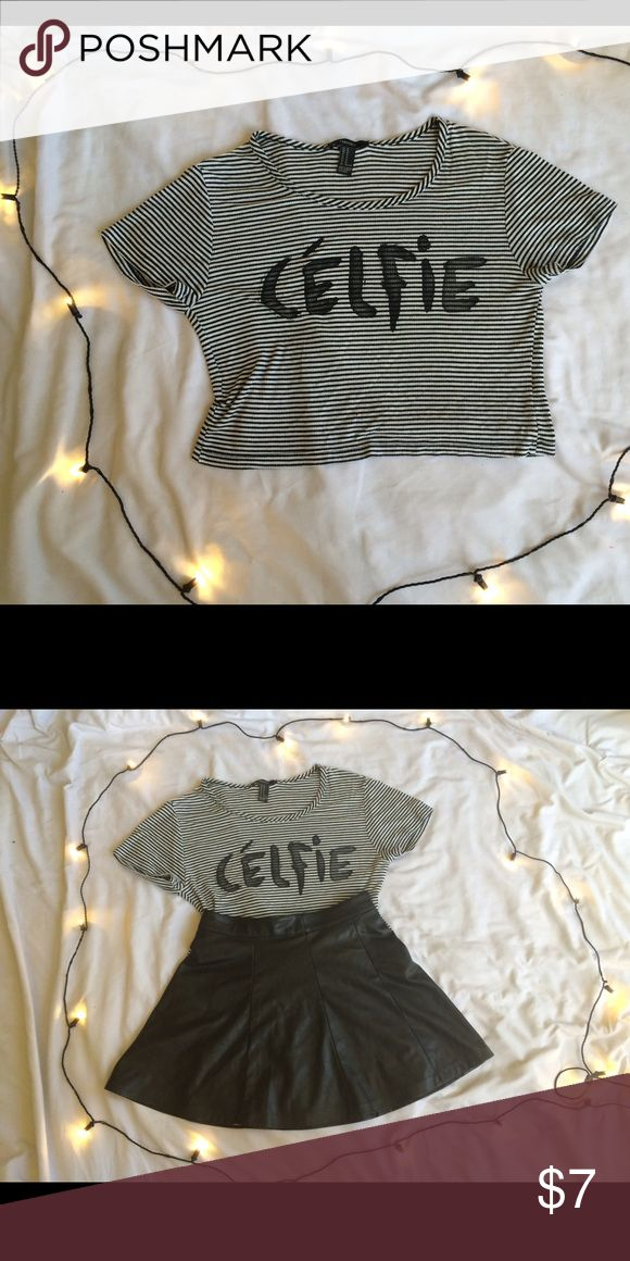 Forever 21 Célfie Shirt This super stylish and comfortable graphic tee is great for almost any event! You can style this with a skirt or shorts! Forever 21 Tops Crop Tops