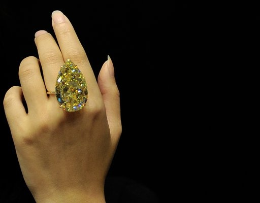 110 ct pear - discovered last year in S. Africa: Auction, Sun Drop, Diamond Rings, Pear Shaped Diamond, Jewelry, Jewels, Yellow Diamonds, 110 Carat, Bling Bling