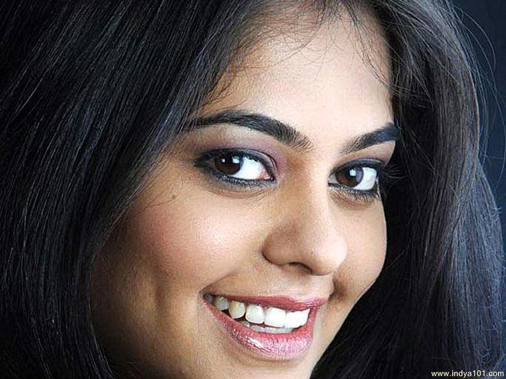 Bindu Madhavi Actress GalleryBindu Madhavi Latest StillsBindu