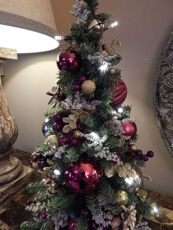 Cordless Lighted Christmas Wreath