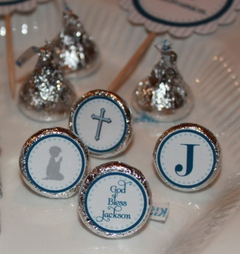 Hershey Kisses with stickers on bottom for first communion favors..printable no longer available..but neat ideas.