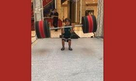 Μείναμε με το στόμα ανοιχτό! Ο γιος του Στέλιου Χανταμπάκη σηκώνει βάρη   Ο Μανώλης Χανταμπάκης λατρεύει την γυμναστική...  from Ροή http://ift.tt/2xwHaqi Ροή