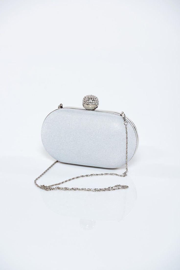 Comanda online, Geanta dama plic argintie cu accesoriu metalic cu aplicatii cu sclipici. Articole masurate, calitate garantata!