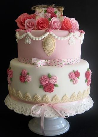 Shabby chic cake with cameo
