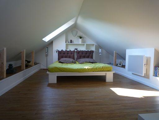43 best combles images on pinterest attic storage - Amenagement chambre mansardee ...