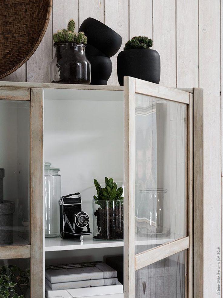 Arbetsbordet RIMFORSA i rostfritt stål och bambu är en köksö i modern stil, som kommer till IKEA varuhusen i maj! De förnyelsebara och starka materialen ger hög kvalitet och är ett steg mot att använda material på ett mer hållbart sätt.