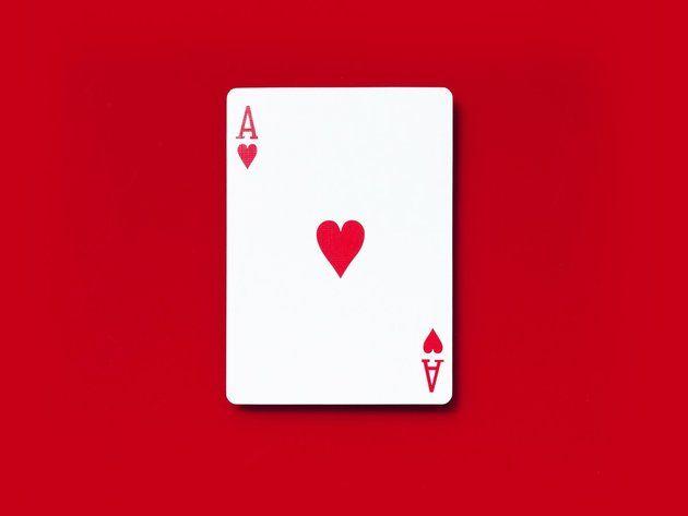 Untuk bisa bermain secara berkelas maka Pilihlah Poker klasik  sebagai judi online yang menguntungkan dengan cara-cara yang dilakukan pemain profesional yang berada di Las Vegas