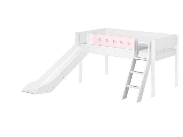 FLEXA White Halbhochbett Weiß mit schräger Leiter und Rutsche 90x200cm 80-17315-18 Jetzt bestellen unter: https://moebel.ladendirekt.de/kinderzimmer/betten/etagenbetten/?uid=35247766-f0e6-59be-a606-1ec586a896cf&utm_source=pinterest&utm_medium=pin&utm_campaign=boards #etagenbetten #kinderzimmer #white #flexa #betten #rutschbett #spielbett Bild Quelle: 123moebel.de