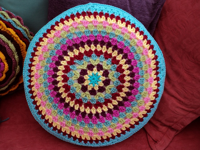 The 162 best CROCHET.pillows&poufs images on Pinterest | Crochet ...