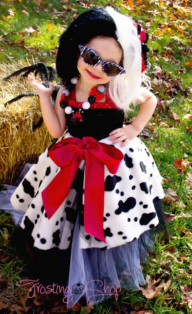 I love this!  If i ever have a little girl she will have this..,Cruella Deville costume for kids