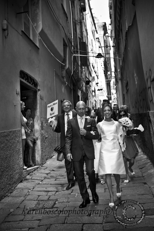 #karenboscolophotography #italy #italianriviera #italianwedding #italianphotographer #italianweddingdestination  #photographer #fotografo #genova #liguria #matrimonio #marryinitaly #marryabroad #carrugi #zena #vicoli #boccadirosa