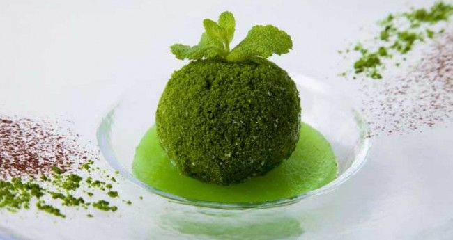 kokedama ice, a dessert inspired by moss balls