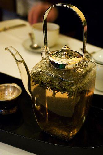 pretty pot thing for crazy white tea