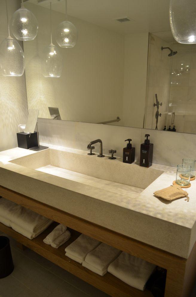 1 hotel bathroom