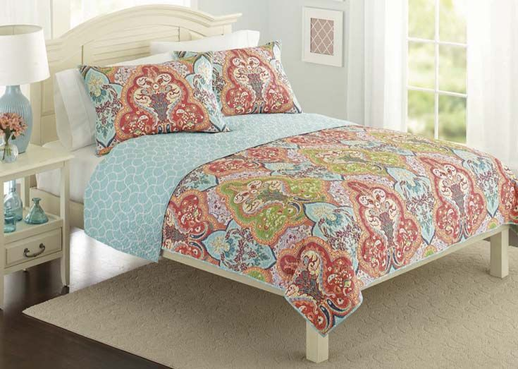 Better Homes And Gardens Jeweled Damask Bedding Quilt Collection Splash Of Color Quilt And Colors