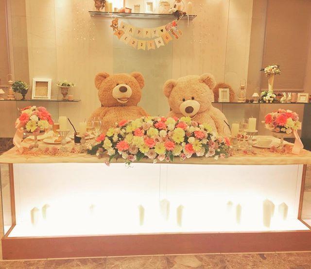 ♡くまくまくまくま♡ #熊#くま#bear#🐻#❤️ とってもかわいくて大好きなあの子の式は、とってもかわいくて素敵な式でした♡ほんとうにおめでとう☺️💓 #容量ないから#写メはインスタ上で撮っております#😂#お昼#間違ってアップされてた#やっぱり#結婚式って好きだ〜〜#結婚式#中座#お色直し#高砂#かわいすぎ#cute♡#teddybear#1番かわいかったのはもちろん花嫁さま♡#だけどね😘